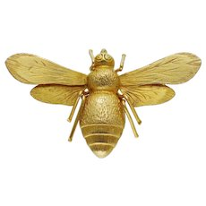A Victorian Gold Bee Brooch