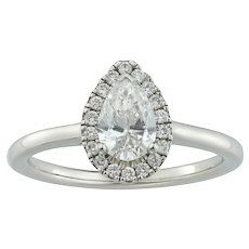 A Pear-shaped Diamond Cluster Ring