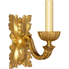 Gilded bronze leafy back one light sconce