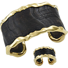 VAN CLEEF & ARPELS Yellow gold and Wood Bracelet Suite