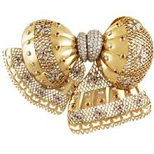 VAN CLEEF & ARPELS Diamond and Ruby Bow Brooch
