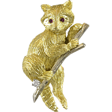 Late 20th Century Raccoon Ruby and Diamond Gold Brooch