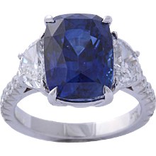 Magnificent Sapphire and Diamond Ring 8.04 carats