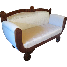 Biedermeier Center Sofa