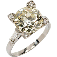 Gorgeous Art Deco Diamond Platinum Ring
