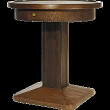Art Nouveau ( Jugendstil ) solid oak round table circa 1905