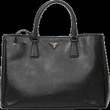 Prada Saffiano Lux handbag black grained