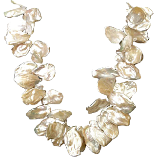 Large Lustrous Keshi Pearls Necklace