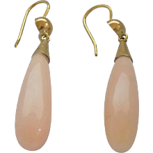 18kt Gold Pink Coral earrings
