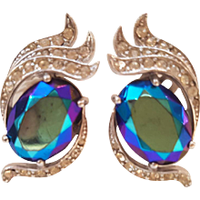 1980s Elsa Schiaparelli Clip-on earrings