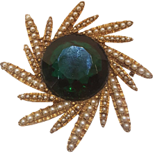 1980s Har Gold tone green ston brooch