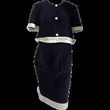 Saké blu and white skirt suit