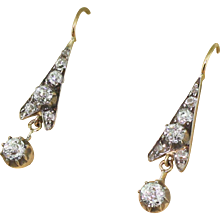 Victorian 0.96 Carat Old Cut Diamond Drop Earrings, circa 1870