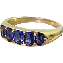 Edwardian 1.70 Carat Natural Sapphire Five Stone Ring, circa 1910