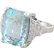 Retro 14.00 Carat Aquamarine & Diamond Cocktail Ring, circa 1950