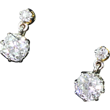 Art Deco 1.98 Carat Old Cut Diamond Drop Earrings, circa 1915