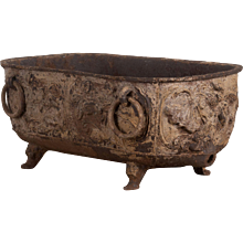 Large iron tub 16th century