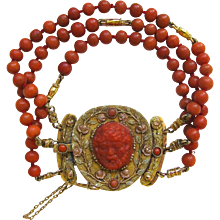An Antique Gold and Coral Bracelet