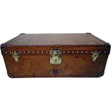 1900s Louis Vuitton Leather Cabin Trunk or Malle Cabine Cuir Vuitton