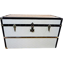 1960 's White Courrier Trunk