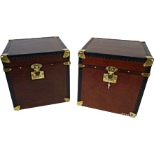 Pair of  leather hat trunk  with key