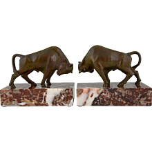 French Art Deco bronze bull bookends by Luc, 1930