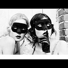Ellen von Unwerth - Mimi & Ivy