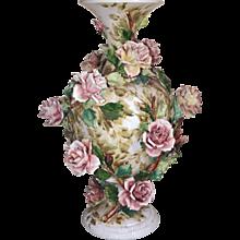 Vase de porcelaine et sa colonne