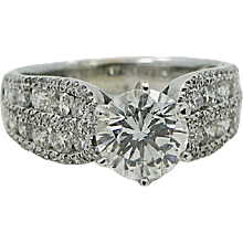 18K White Gold Round Brilliant Cut Diamond Ring