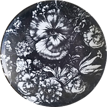 Fornasetti Tema E Variazioni Plate, Number 315, Eye in Pansies, the iconic image of  Lina Cavalieri, Atelier Fornasetti.