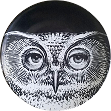 Fornasetti Tema E Variazioni Plate, Number 105, the iconic image of  Lina Cavalieri, Atelier Fornasetti.