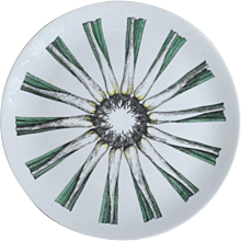 Piero Fornasetti Giri Di Verdure Porcelain Plate, (Rounds of Vegetables) Scallions, Early 1960's.