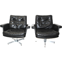 Mid Century Modern A Pair of Lounge Chairs by H.W.Klein, 1960s