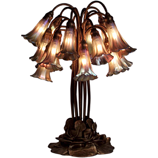 18-Light Lily Table Lamp