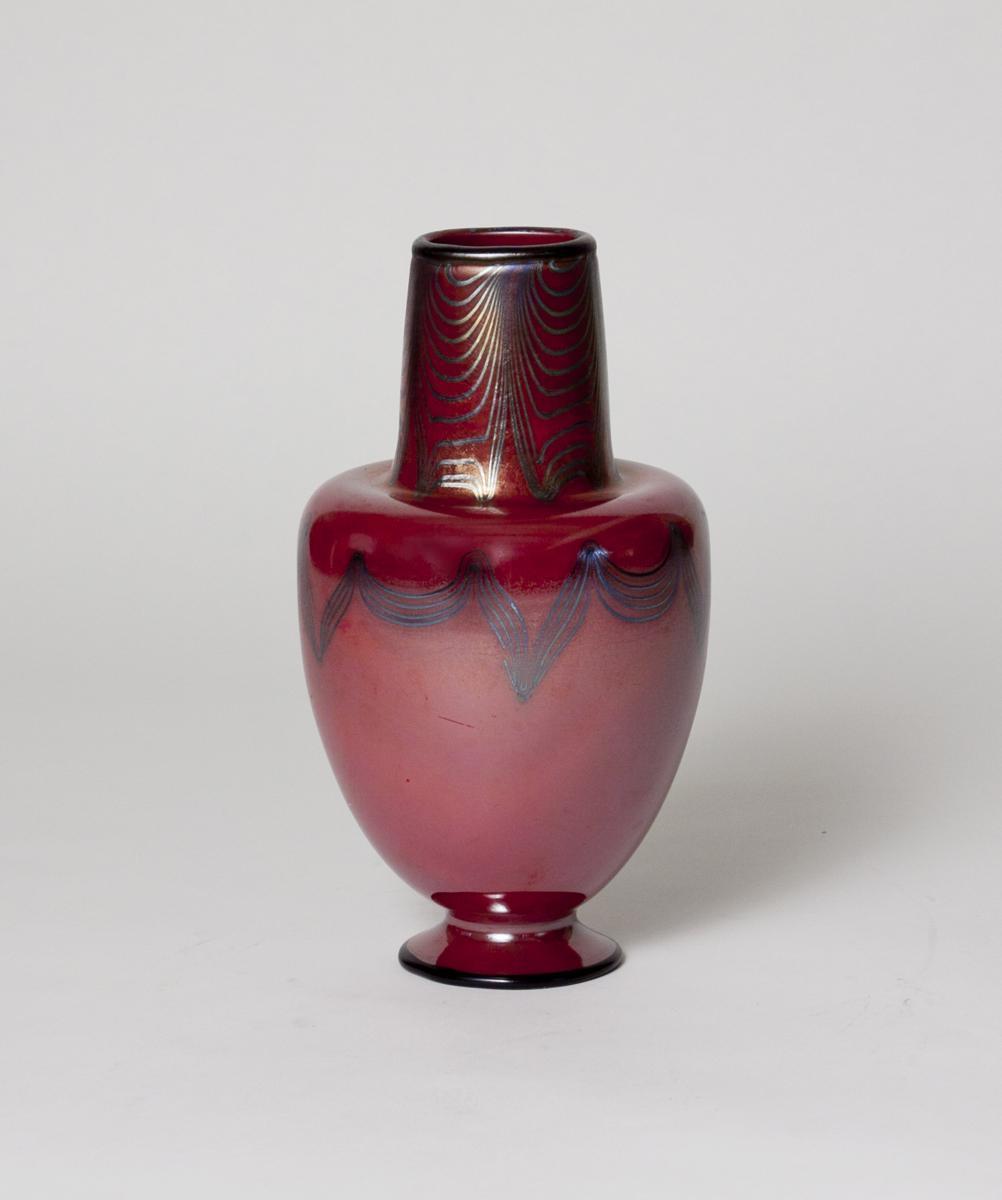 Tiffany studios favrile glass vase from lillian nassau on rubylux background color reviewsmspy