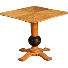 Art Deco Table on Columnar Four-Star Foot