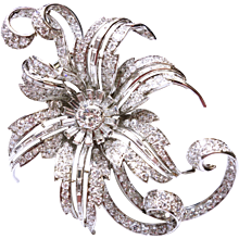 1950s French Large 10.0 Carats of Diamonds Platinum Flower Pin