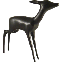 Large and massive Doe - Karl Hagenauer 1945-1955 - Cast Brass