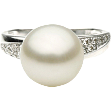 South Sea Pearl & Diamond White Gold Ring