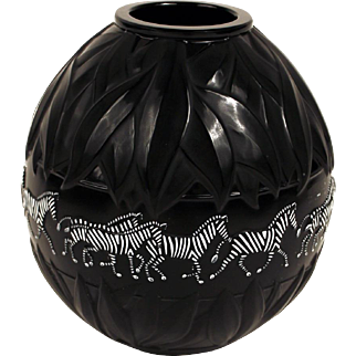 Black Glass Lalique 'Tazania'  Vase