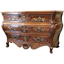 Louis XV Period Carved Walnut Bombé Bordelaise Commode, 18th Century