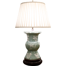 Chinese Celadon Pâte sur Pâte Porcelain Ku Vase Lamp