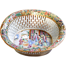 Chinese Export Rose Mandarin Chestnut Basket