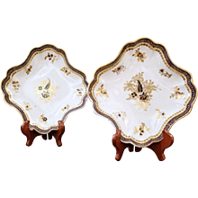 Pair of Caughley Salopian English Porcelain Dishes