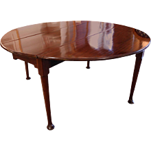 George II Mahogany Round Dining Table, 18th Century