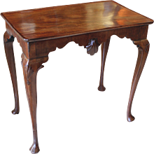 Irish Early George II Period Mahogany Dish Top Tea Table with Shell Carved Knees and Apron