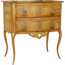 570 A Commode L. XV