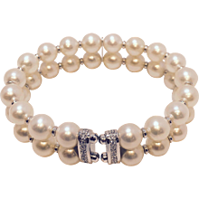 Pearl Bracelet with Diamond Clasp 18K