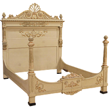 20th Century Italian Lacquered Bed In Louis XVI Style
