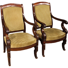 19th Century Pair Of French Armchairs In Mahogany Wood In Velvet
